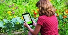 """txn. Nützlich für den Hobbygärtner: Die App """"Pflanzendoktor"""" hilft bei der Identifikation von Schädlingen und gibt Tipps zu deren Bekämpfung. Foto: Neudorff/txn"""