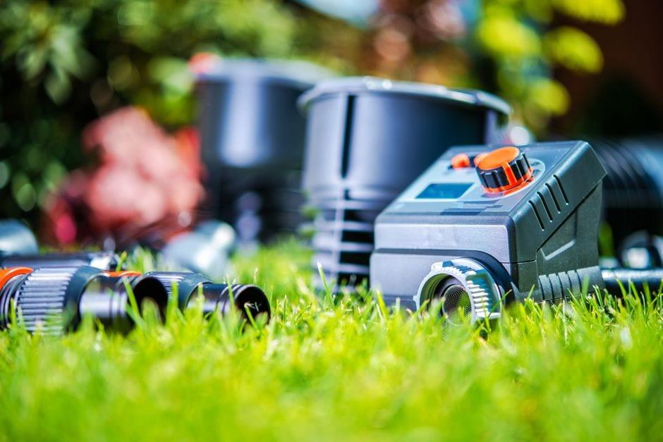 Einzelteile einer automatische Bewässerung Bild: welcomia / shutterstock.com