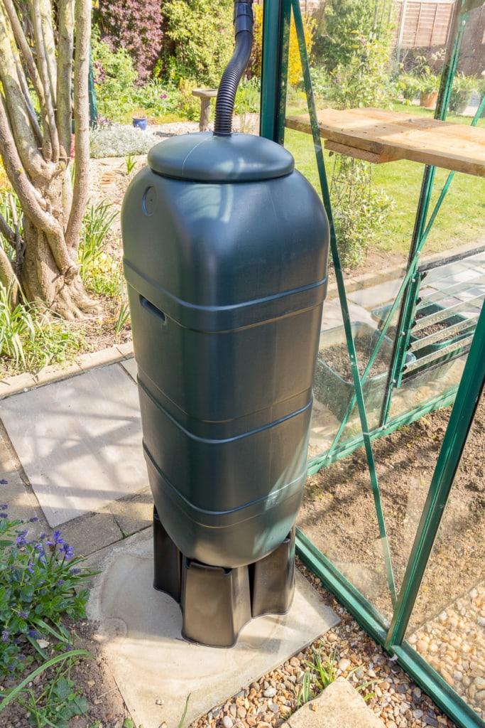 Säulentanks gibt es in verschiedenen Formen und Farben
